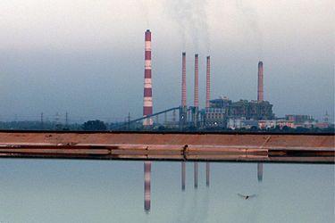 ramagundam-super-thermal-power-station-telangana-india-courtesy-wikimedia